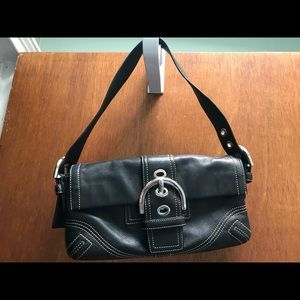 Coach shoulder bag/hand bag Great condition!